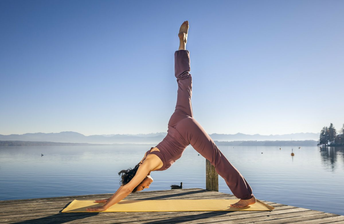 What's the Difference Between Yoga and Pilates? | SparkPeople